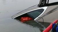 """Nhờ khả năng """"nổi trên nước"""", một chiếc Tesla Model S bị ăn trộm đã được tìm thấy"""
