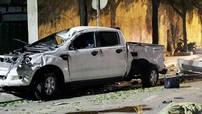 Ford Ranger đâm hàng loạt xe máy tại trung tâm Sài Gòn, 2 người tử vong