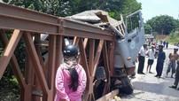 Phú Quốc: Lái xe ngủ gật, xe ben đâm thẳng vào cầu
