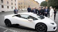 Lamborghini Huracan của Đức Giáo hoàng Francis được bán đấu giá