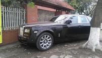 """Rolls-Royce Phantom Series II """"mới tinh"""" xuất hiện trên vỉa hè tại Hải Phòng"""