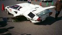 Siêu xe hiếm Lamborghini Countach gặp nạn trên đường đua, rụng cả bánh