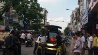 """Siêu xe Lamborghini Gallardo Superleggera """"mạ vàng"""" bốc khói nghi ngút trên đường phố Hà Nội"""