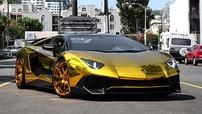 Lamborghini Aventador SV Roadster của tình cũ Rihanna mạ crôm vàng nổi bật
