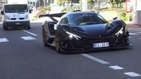 Hàng trăm người vây quanh siêu xe triệu đô Apollo IE xuất hiện tại Monaco