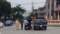 """Thai phụ điều khiển xe tay ga bị ô tô bán tải """"húc văng"""" tại thành phố Hà Giang"""
