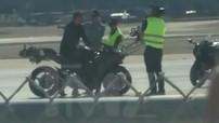 """Bắt gặp Tom Cruise chạy Kawasaki Ninja H2 trong phim trường """"Top Gun 2"""""""