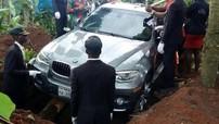 """Đại gia dùng SUV hạng sang BMW X6 """"đập hộp"""" làm quan tài chôn bố"""