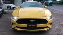 Ford Mustang đời 2018 màu vàng tìm khách tại Hà Nội