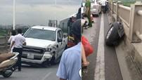 Tai nạn liên hoàn khiến Ford Ranger rụng bánh, cầu Vĩnh Tuy tắc dài