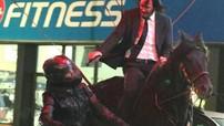 """Tài tử Keanu Reeves cưỡi ngựa đuổi theo mô tô trong phim """"John Wick 3: Parabellum"""""""