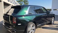 Ngẩn ngơ với bộ áo xanh ngọc lục bảo của SUV siêu sang Rolls-Royce Cullinan