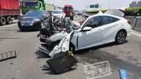 Sau tai nạn của chiếc Honda Civic, tài xế bất ngờ quay ra đánh hành khách đi cùng