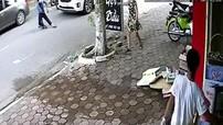Lạng Sơn: Gây tai nạn, tài xế lái Kia Sedona kéo bà cụ vào vỉa hè rồi bỏ đi