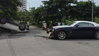 """Hà Nội: Rolls-Royce Wraith """"vỡ đầu"""" sau tai nạn với Honda CR-V"""