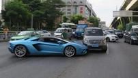 Lamborghini Aventador S Roadster dính vào tai nạn liên hoàn, cư dân mạng tranh cãi ai phải đền tiền