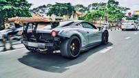 """Choáng với hình ảnh Ferrari 458 Italia độ Liberty Walk độc nhất Việt Nam """"trần như nhộng"""" trên đường"""