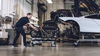 """Chân dung người thợ máy duy nhất ở Bắc Mỹ """"được phép"""" động vào siêu xe McLaren F1"""