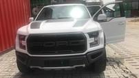 """""""Khủng long"""" Ford F-150 Raptor màu trắng hiếm hoi cập bến Việt Nam"""