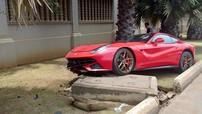 """Siêu xe Ferrari F12 Berlinetta biển """"tứ quý"""" gặp nạn nghiêm trọng tại Campuchia"""