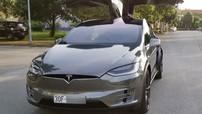 Chồng siêu mẫu Ngọc Thạch khoác áo crôm cá tính cho SUV điện Tesla Model X P100D