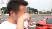 Tông vào siêu xe Ferrari 488 GTB, người đàn ông điều khiển chiếc Austin Mini ôm mặt khóc