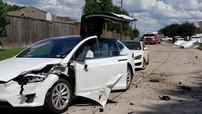 Lạ đời Tesla Model X bị máy bay đâm, nhưng người ngồi không bị thương