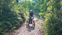 Trải nghiệm một buổi xuyên rừng cùng CLB cào cào miền Bắc Red River Enduro: Thú chơi của những kẻ ưa tự do