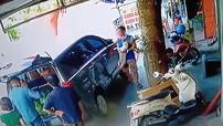 Người đàn ông đi Toyota Innova rồi tiện tay ăn trộm chó Poodle: Chỉ vì yêu động vật