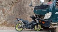 """""""Phượt thủ"""" đi Honda Winner 150 đấu đầu xe tải tại Hà Giang"""