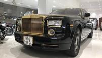 """Rolls-Royce Phantom mạ vàng do thợ Việt độ bản """"Rồng"""" bất ngờ xuất hiện tại siêu thị ô tô Hà Nội"""