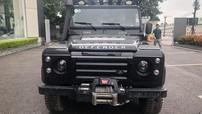 1 trong 2 chiếc Land Rover Defender dành riêng cho thị trường Việt Nam tái xuất tại Hà Nội