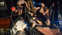 Hà Nội: Xe ô tô đâm rụng lan can cầu Chương Dương là Mercedes GLC300, phát hiện hai thi thể nữ giới