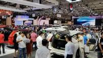 Đón dịp mua sắm cuối năm, ô tô giảm giá tới cả trăm triệu đồng