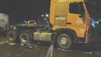 Nghệ An: Bị xe container đâm trên đường đi học về, 3 học sinh thương vong