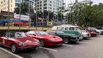 Dàn xe cổ tham gia hành trình Việt Nam - Vân Nam được trưng bày tại Hà Nội