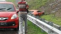 Chạy ở vận tốc 150 km/h trong mưa, người lái Lamborghini Aventador phải trả giá đắt