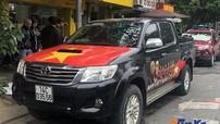 Cổ động viên Việt Nam thi nhau dán xe cổ vũ đội tuyển trước trận đấu gặp Malaysia