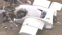 Xe bay WD-1 bất ngờ gặp tai nạn, đâm xuống mặt đất và vỡ tan phần đầu