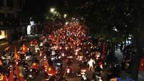 """Ăn mừng chiến thắng của Việt Nam, cổ động viên biến Hà Nội thành """"tâm bão"""""""