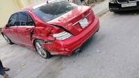 Hà Nội: Xe cứu hỏa đâm liên hoàn 4 ô tô, có cả Mercedes-Benz và BMW