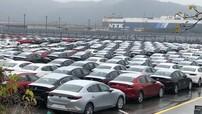 """Hình ảnh hàng trăm chiếc Mazda3 2019 xếp hàng chờ vận chuyển ở cảng khiến người Việt """"phát thèm"""""""