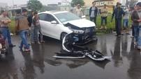 Kia Cerato 2019 chưa có biển số va chạm với Honda CR-V, vỡ nát đầu xe
