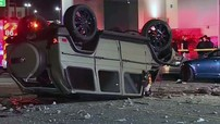 Mercedes-AMG G-Class rơi từ tầng ba bãi đỗ xe xuống dưới đường, người lái chỉ bị thương nhẹ