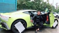 """Sau cặp đôi xe """"khủng"""" 100 tỷ đồng, doanh nhân quận 12 tậu tiếp siêu xe Aston Martin V8 Vantage 2018"""