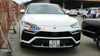 """Xem siêu SUV Lamborghini Urus của Minh """"Nhựa"""" chật vật tiến vào trạm đăng kiểm để đăng ký biển số"""