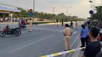 Bình Dương: Gia đình 4 người ngã vào gầm xe container, 2 vợ chồng tử vong trên đường sắm Tết