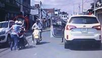 Đồng Nai: Tài xế bị cư dân mạng truy tìm vì tát người phụ nữ điều khiển xe máy đâm vào con trai mình