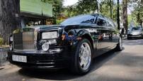 """Vẻ đẹp của xe siêu sang Rolls-Royce Phantom """"Rồng"""" siêu hiếm, biển siêu đẹp của doanh nhân Sài thành"""