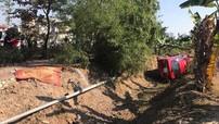 Hà Nội: Đứng đợi xe buýt trên vỉa hè, 2 ông thông gia bị ô tô Mitsubishi Attrage tông tử vong